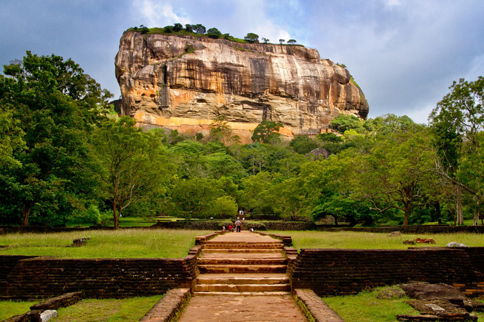 5 Must See Places in Sri Lanka